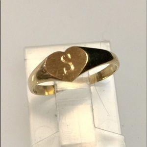 Vintage 14k 'S' Signet Heart Baby ring